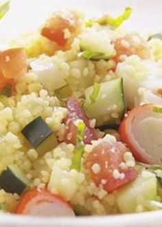 Cuscuz com legumes e delícias do mar