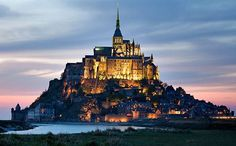 Normandy travel guide .