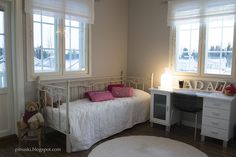 Villa Victoria: 10-vuotiaan tytön huoneiden remontti valmis! Victoria, Bed, Furniture, Home Decor, Decoration Home, Stream Bed, Room Decor, Home Furnishings, Beds