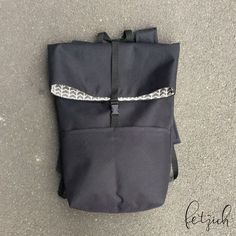 Anleitung: Rucksack aus Oxford-Gewebe selber nähen Good at it! With a costly pattern and sewing inst Bag Patterns To Sew, Sewing Patterns Free, Free Sewing, Sewing Tutorials, Clothing Patterns, Knitting Patterns, Pattern Sewing, Handmade Clothes, Handmade Bags