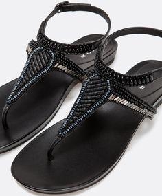 Sandalo ornamenti suola nera - OYSHO