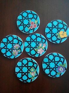 Islamic Tiles, Islamic Art, Pottery Painting, Ceramic Painting, Ceramic Plates, Ceramic Pottery, Hand Painted Dishes, Simple Mandala, Islamic Patterns