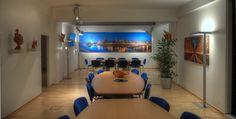 """Panorama Foto vom Medienhafen in Düsseldorf, montiert in einem Büro in der Größe 500 cm x 130 cm.  Ausgestattet mit """"Basotect"""" Platten zur Schallreduktion. Das Büro in Düsseldor hat eine Länge von 15 Metern, dadurch ist der Schall ( Akustikbau) merklich gesenkt worden! mehr....  http://www.düsseldorf-panorama.de"""