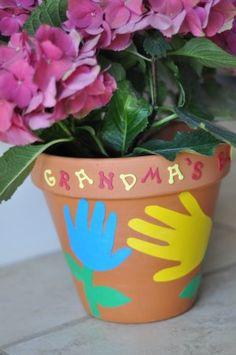 A Flowerpot Craft Perfect for Grandma's Garden! #MyPerfectMothersDay