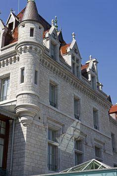 Castle hotel Château d'Ouchy - Lausanne Lausanne, Spa, Lake Geneva, 12th Century, Switzerland, Castle, Louvre, Hotels, Mansions