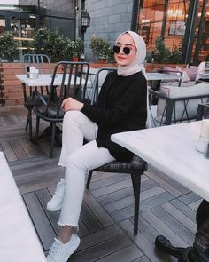 Image may contain: one or more people, people sitting, table, shoes, outdoor and indoor – Hijab Fashion Modern Hijab Fashion, Street Hijab Fashion, Hijab Fashion Inspiration, Muslim Fashion, Modest Fashion, Fashion Outfits, Stylish Hijab, Casual Hijab Outfit, Hijab Chic