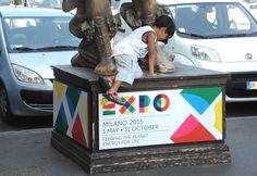 A #Milano le statue ispirate alle opere di #Arcimboldo realizzate da #DanteFerretti     The #PopoloDelCibo - #PeopleOfFood - of #Expo2015: the sculptures inspired by the works of Arcimboldo created by Dante Ferretti in #Milan. #FocusOnExpo - #FoodPeople