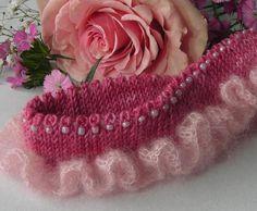 Cozy Wedding Garters by Lavender Hill | Knitting Pattern1024 x 842 | 124.2KB | www.craftsy.com