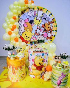Pooh Baby, Winnie The Pooh Birthday, Baby Birthday, Balloon Garland, Balloons, Jasmine Costume, Snow Globes, Backdrops, Birthdays