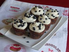 Cupcakes au chocolat et ganache chocolat blanc Mini Cupcakes, Cacao, Desserts, Blog, White Chocolate Ganache, Homemade Chocolate, Food, Black People, Tailgate Desserts