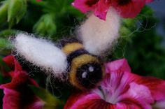passengers on a little spaceship: needle felted bees - a great beginners needling project