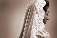 Reasons I will have a Spanish wedding veil: - Spanish wedding veils look like this: Spanish Wedding Veils, Spanish Veil, Mantilla Veil, Lace Veils, Bridal Veils, Laura Lee, Mexican Wedding Traditions, Mexican Weddings, Vintage Mexican Wedding