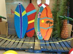 Surfboards made out of cardboard. Luau Theme Party, Aloha Party, Tiki Party, Hawaiian Themed Parties, Beach Party, Hawaiian Birthday, Luau Birthday, Hawaiian Luau, Tropical Christmas Decorations