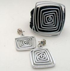 Patricia Moura Biojoias- Bracelete e brincos em alumínio