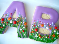 Beautifully decorated sugar cookies..Oh the posibilities..Seems fairly easy..Inspiration Only! .Oh Sugar Events