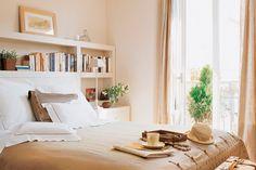 nichos livros cabeceira parede cama decoracao quarto casal
