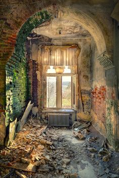 Colorful Decay