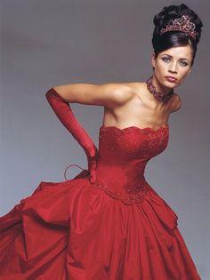 luxurious red wedding dress