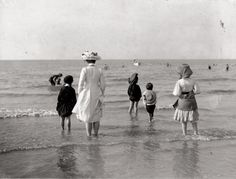 Edwardian Vintage photo / i love old photos. its like stepping into the past, like stepping into another world.