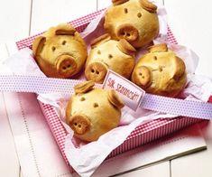 Ütős receptek az év utolsó napjára – szilveszteri sütiválogatás Food Humor, Funny Food, Sweet Desserts, Evo, Biscuits, Bakery, Muffin, Teddy Bear, Cooking