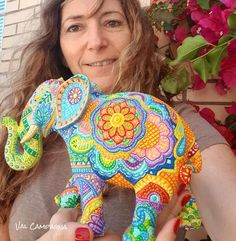 Elephant Sculpture, Elephant Art, Dot Art Painting, Mandala Painting, Mandala Art Lesson, Colorful Elephant, Elephant Parade, Mandala Dots, Beaded Embroidery