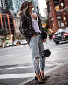 Love this glitter cardigan, simple tee and ripped boyfriend jeans with heels Outfit Jeans, Heels Outfits, Fashion Outfits, Fashion Heels, Jean Outfits, Zara Tops, Simple Outfits, Stylish Outfits, How To Wear Cardigan