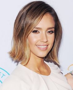 Jessica Alba's new honey-brown bob with matte nude eye shadow and a creamy nude lip