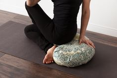 Halfmoon Zafu | Crescent shaped so you can tuck your ankles #meditation