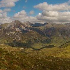 #hasajacezajace #scotland #ilovescotland #highlands #westhighlandway #munro #munroe #bestweather #springinscotland #mountain #gory #trekking #trekk #bagpack #nature #travel #nofilter #grampians  #nomidges  #fallinlove #landscape_captures  #landscape
