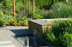 Wasserspiel bei Gartensitzplatz