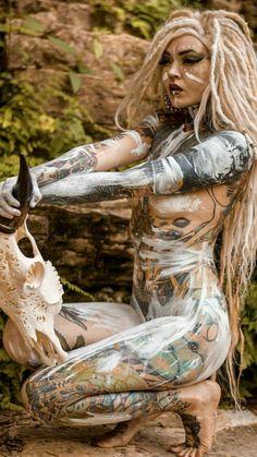 Pin by Manuel on Female Warrior Tattoo Girls, Girl Tattoos, Hot Tattoos, Body Art Tattoos, Dreads Girl, Goth Beauty, Warrior Girl, Poses, Fantasy Girl