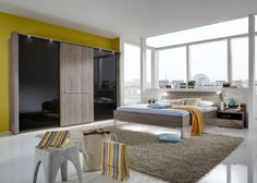 Schlafzimmer komplett Treviso Eiche Schwarz 9449. Buy now at https://www.moebel-wohnbar.de/schlafzimmer-komplett-treviso-wiemann-eiche-trueffel-schwarzglas-9449.html