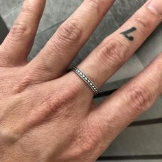 Thin Rings, Rings For Men, Bali Fashion, Mens Fashion, Feather Jewelry, Ring Designs, Sterling Silver Jewelry, Women Jewelry, Moda Masculina