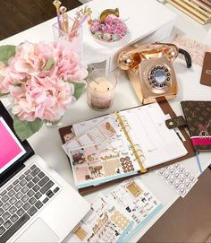 Workspace Inspiration, Room Inspiration, Home Office Design, Home Office Decor, Stationery Design, Office Stationery, Business Furniture, Co Working, Interior Decorating