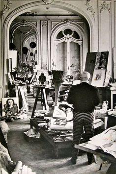 Picasso in his studio Villa La Californie