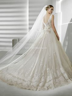 Loveee this dress by La Sposa