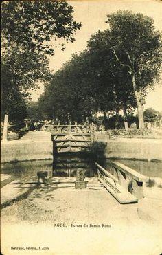 Le Canal du Midi en Languedoc : Cartes postales anciennes : Agde
