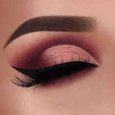 Image discovered by Find images and videos about makeup, make up and eyeliner on We Heart It - the app to get lost in what you love. Maroon Makeup, Gold Eye Makeup, Eye Makeup Art, Makeup For Brown Eyes, Eyeshadow Makeup, Uk Makeup, Eyeshadow Palette, Pink Eyeshadow, Prom Makeup