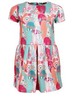Ein bequemes Kleid mit frischen und frohen Farben