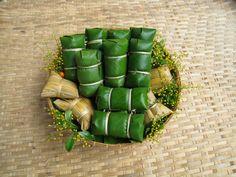 Bananas with Sticky Rice (Khao Tom Mat or Khao Tom Pad)