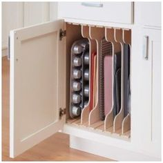 Diy Kitchen Storage, Diy Kitchen Cabinets, Kitchen Cabinet Organization, Storage Cabinets, Home Decor Kitchen, Kitchen Furniture, Cabinet Organizers, Cabinet Drawers, Kitchen Ideas