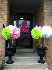 Tissue pom poms for flower pots. This is what I was talking about Bellanca Esparza Tissue Pom Poms, Tissue Flowers, Flower Pots, Party Time, Baby Shower, Unique Jewelry, Handmade Gifts, Etsy, Flower Vases