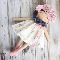 She might be my new favorite #availablesaturday #spuncandylittletowncollection #spuncandydolls #fabricdoll #handmadedoll #dollmaking #dollmaker