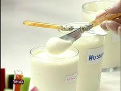 Requeijão Caseiro Leva leite, vinagre, creme de leite, margarina e sal