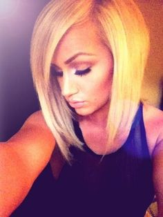 Razor cut bob! I cant not wait for my hair and bangs to grow to do this cut!!!!!!