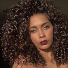 #Repost @jaymejo_ (@get_repost) ・・・ Big Curly Hair, Curly Girl, Curled Hairstyles, Wedding Hairstyles, Updo Hairstyle, Short Hairstyles, Shiny Hair, Gorgeous Hair, Hair Type