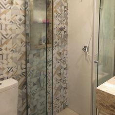 Tem alguém aí procurando revestimentos para decorar o banheiro? A…