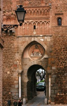 One of the entrance to Toledo city - Spain Places To Travel, Places To See, Wonderful Places, Beautiful Places, Toledo Spain, Balearic Islands, Spain And Portugal, Andalusia, Spain Travel