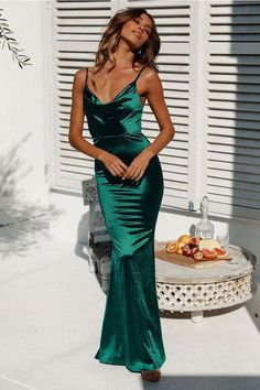 Test Of Time Maxi Dress Green Test Of Time Maxikleid Grün The post Test Of Time Maxikleid Grün appeared first on Juana Moore. Formal Dresses For Women, Elegant Dresses, Pretty Dresses, Sexy Dresses, Beautiful Dresses, Awesome Dresses, Casual Dresses, Green Formal Dresses, Floral Dresses