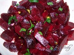 ITALIAN STYLE BEET SALAD: Takes less than 5 minutes to prepare...it's delicious, I promise =)
